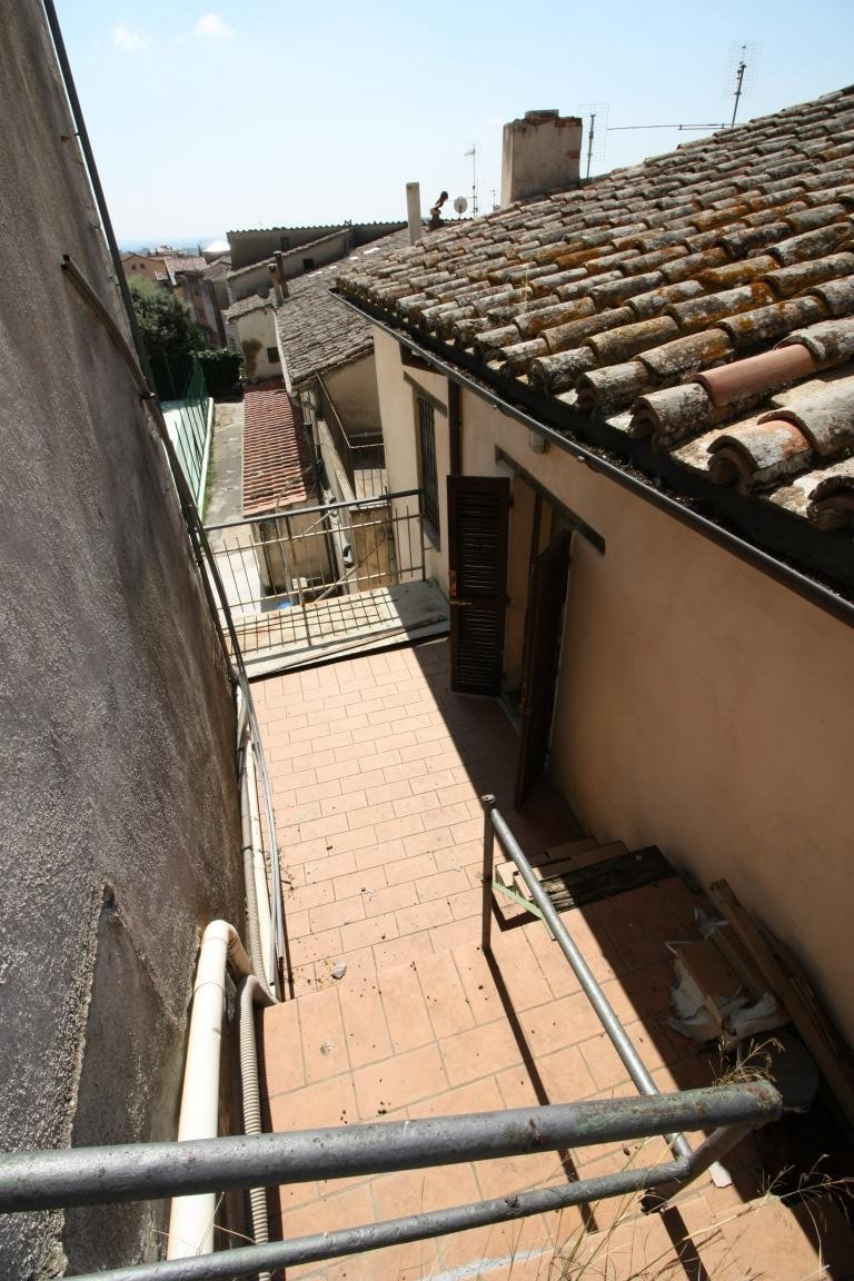 Amelia - Via della Repubblica - Balcone
