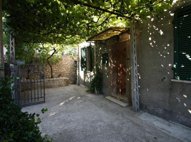 Amelia - Casa Singola con giardino - Fraz. Macchie - Esterno