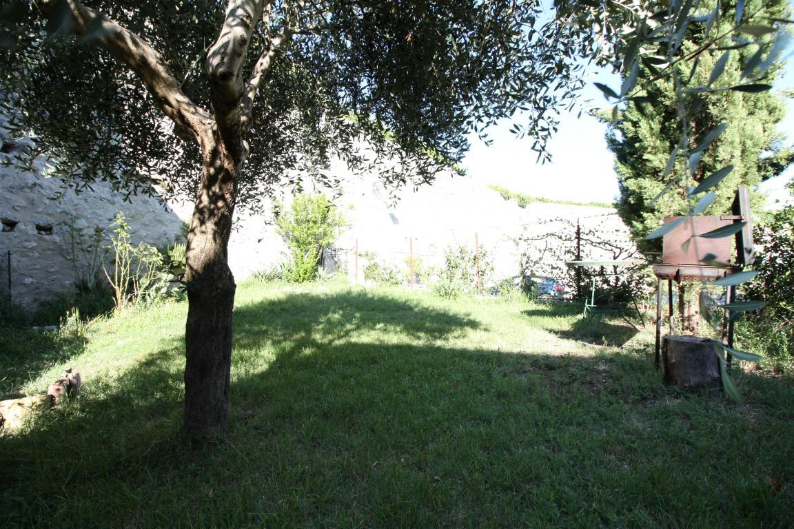 Amelia - Casa Singola con giardino - Fraz. Macchie - Giardino Privato Vista 2