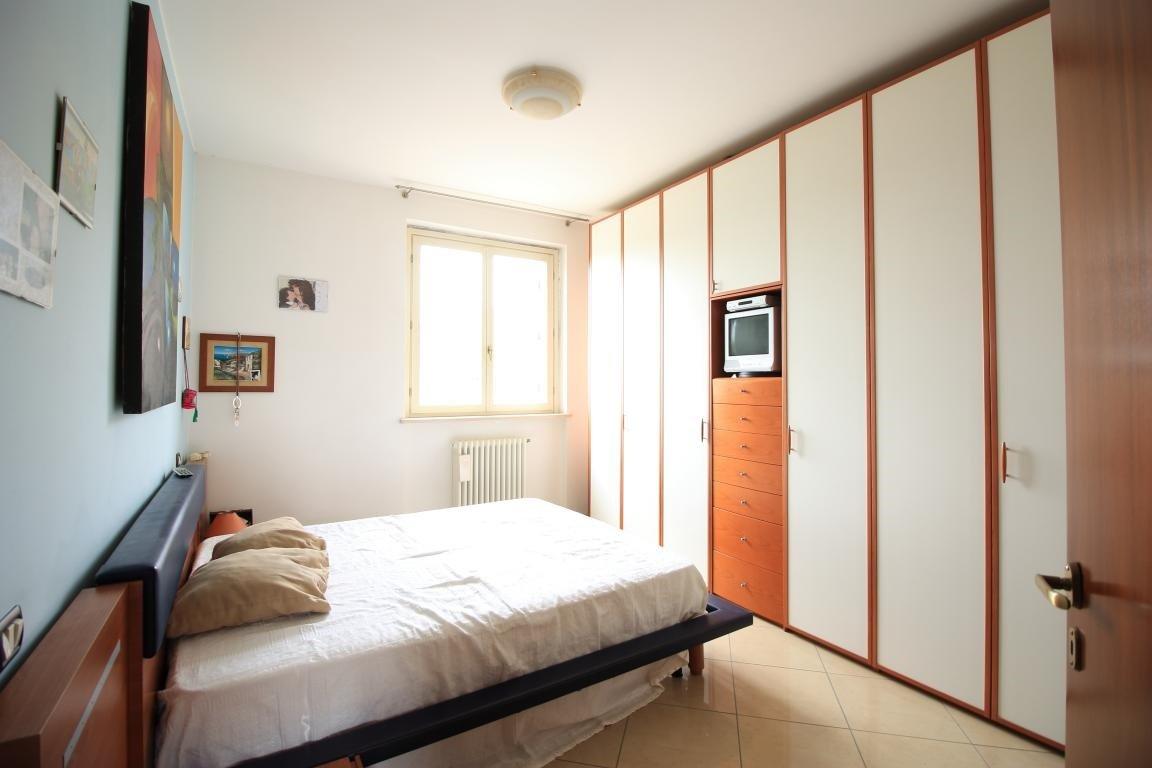 13 - Amelia - Via Roma - Appartamento - Camera Matrimoniale