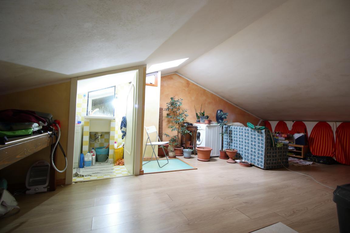 18 - Amelia - Via Roma - Appartamento - Soffitta