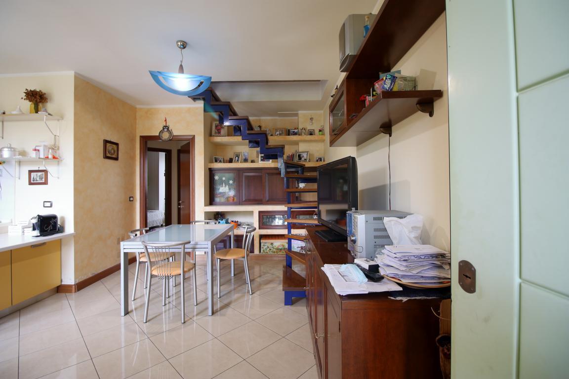 2 - Amelia - Via Roma - Appartamento - Salone Vista 2