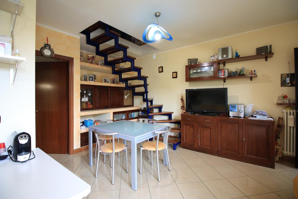 3 - Amelia - Via Roma - Appartamento - Salone Vista 3