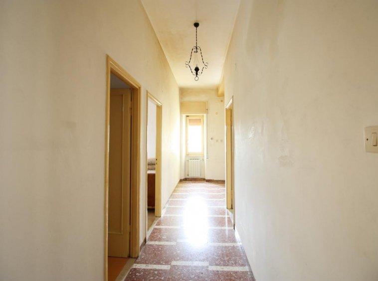 Amelia - San Crispino - Appartamento - Corridoio Vista 2