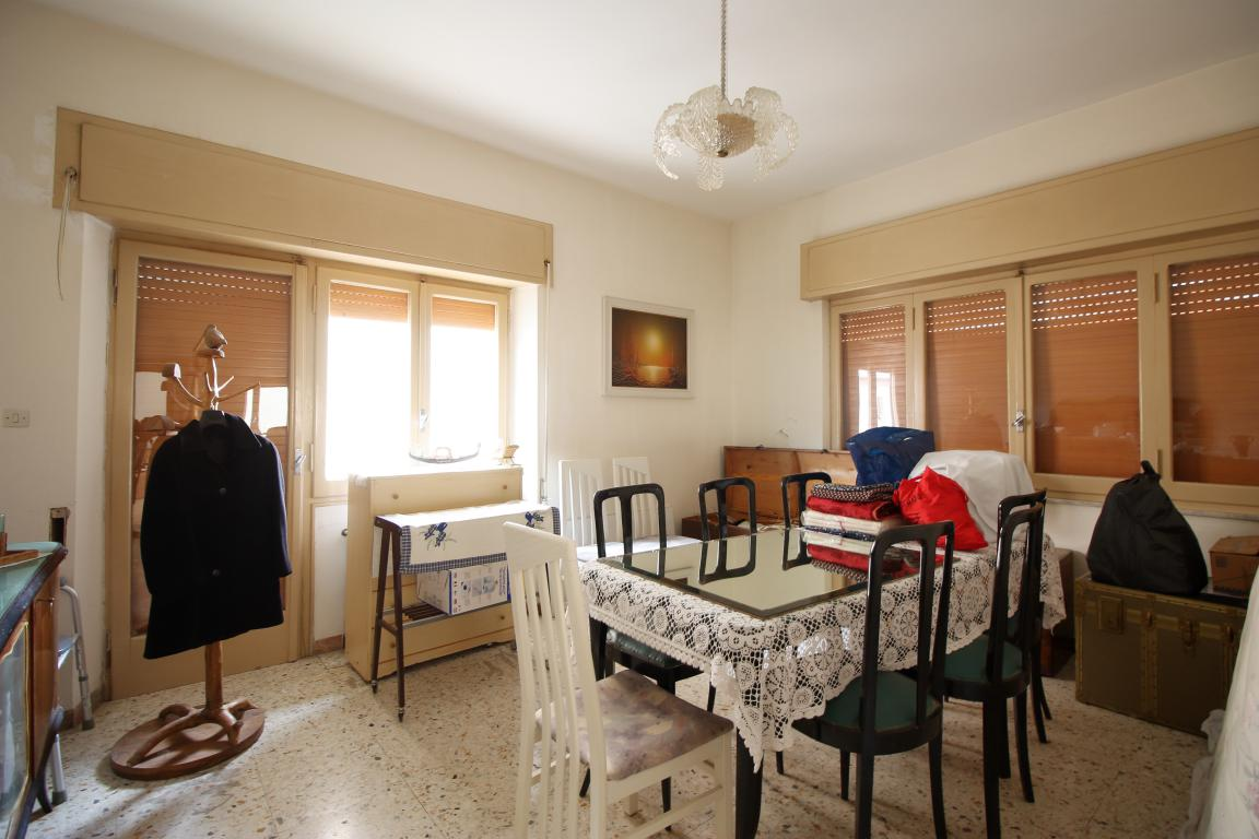 Amelia - San Crispino - Appartamento - Salone
