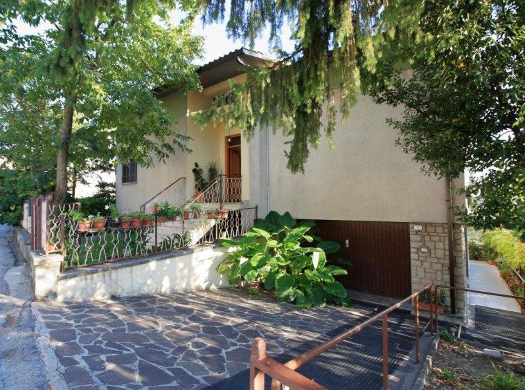 1 - Amelia - Via Alexander Lager - Apaprtamento con giardino - Vista Esterna