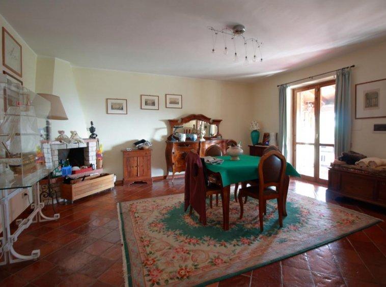 12 - Foce - Villa con giardino - Salone