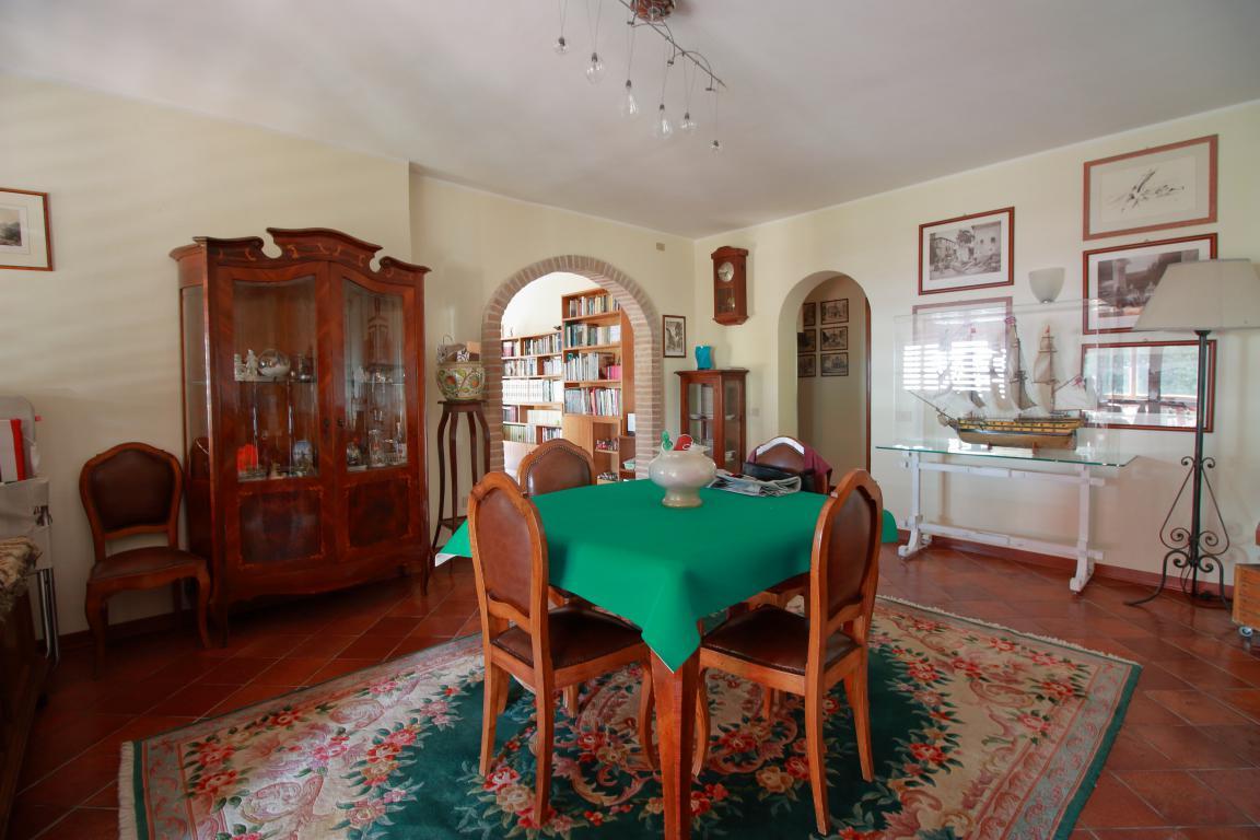 13 - Foce - Villa con giardino - Salone