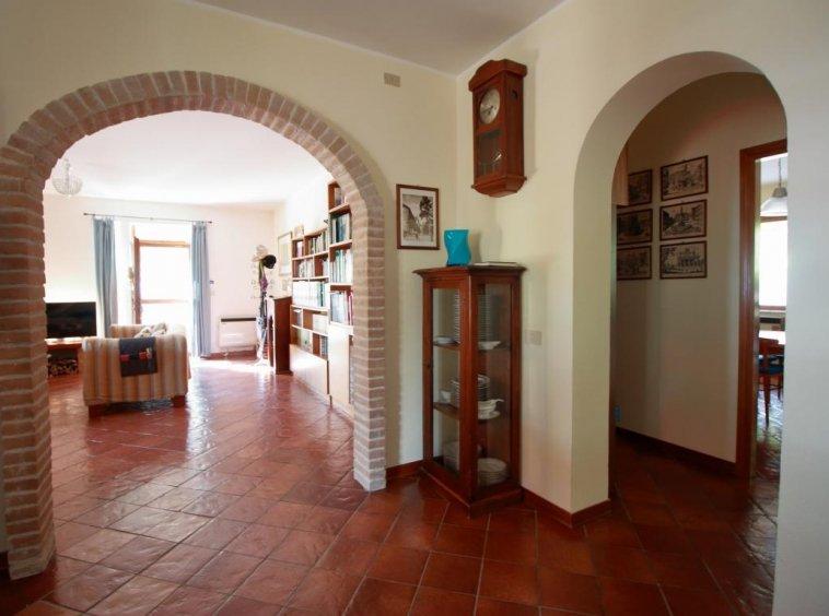 14 - Foce - Villa con giardino - Dettaglio Salone