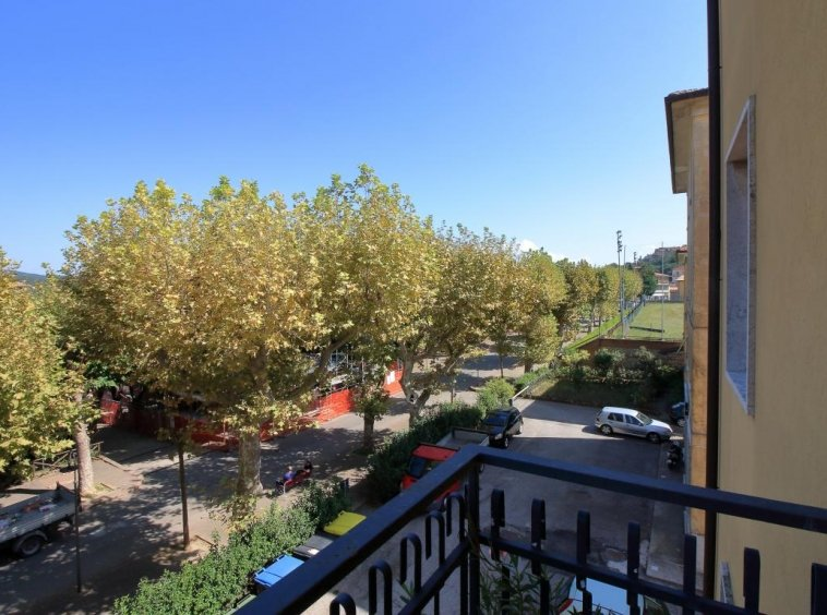15 - Amelia - Via Giardini - Vista Balcone