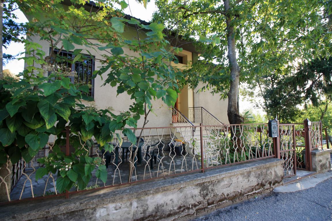 17 - Amelia - Via Alexander Lager - Apaprtamento con giardino - Vista Esterna