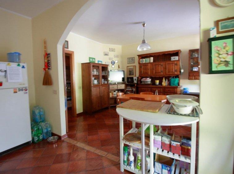 17 - Foce - Villa con giardino - Cucina