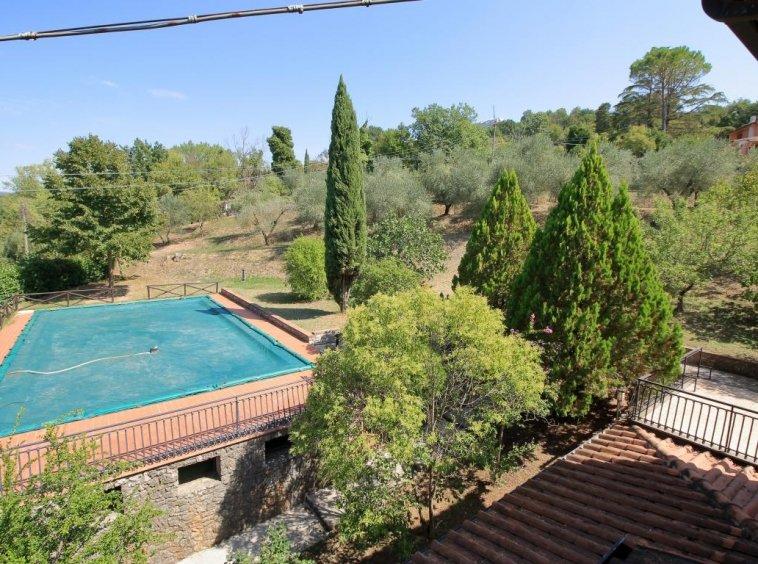 20 - Giove - Villa con Piscina - Vista Terrazza