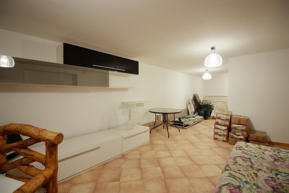21 - Giove - Villa con Piscina - Appartamento Indipendente