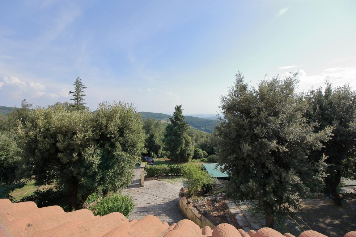 28 - Foce - Villa con giardino - Vista Balcone