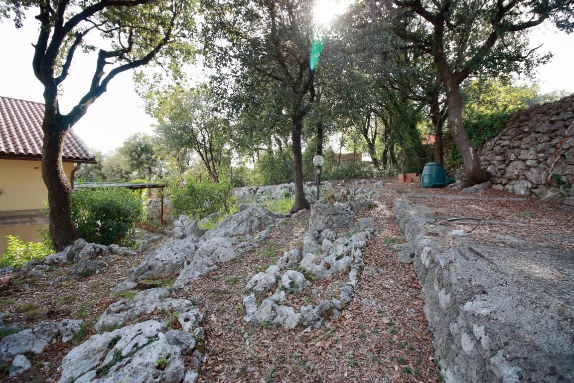31 - Foce - Villa con giardino - Esterno