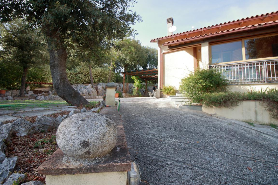 4 - Foce - Villa con giardino - Dettagli