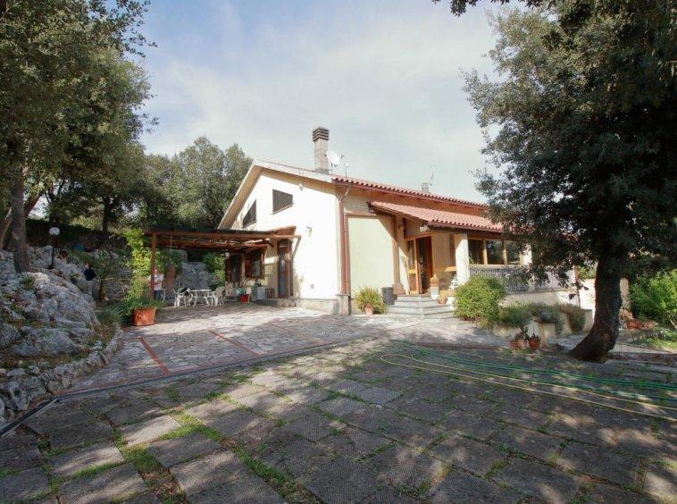 6 - Foce - Villa con giardino - Esterno