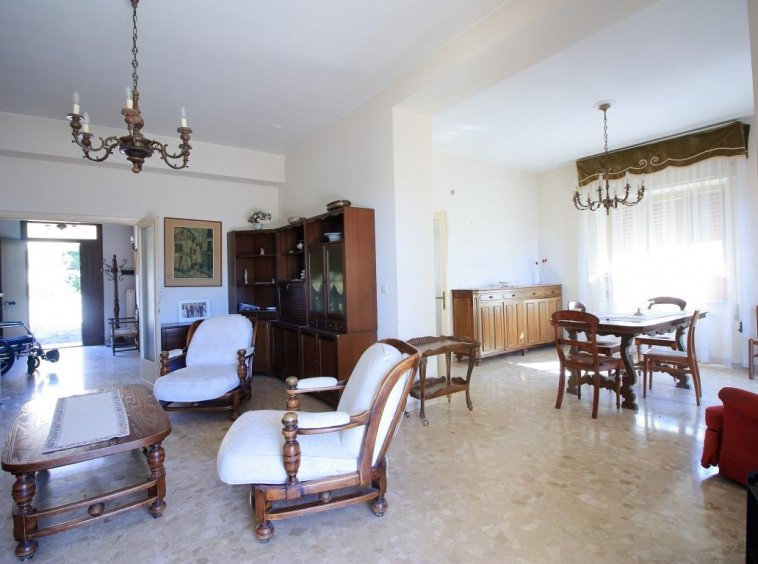 10 - Amelia - Villa - Via del Villaggio - Centrale - Salone