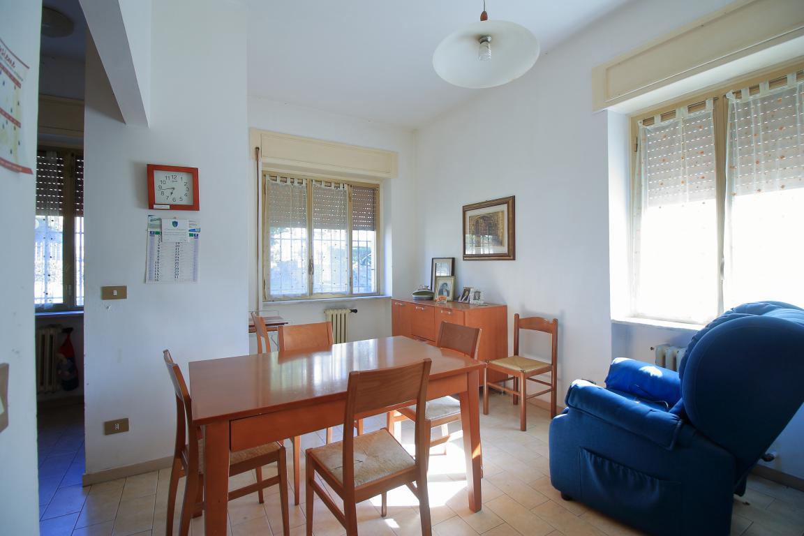 13 - Amelia - Villa - Via del Villaggio - Centrale - Cucina