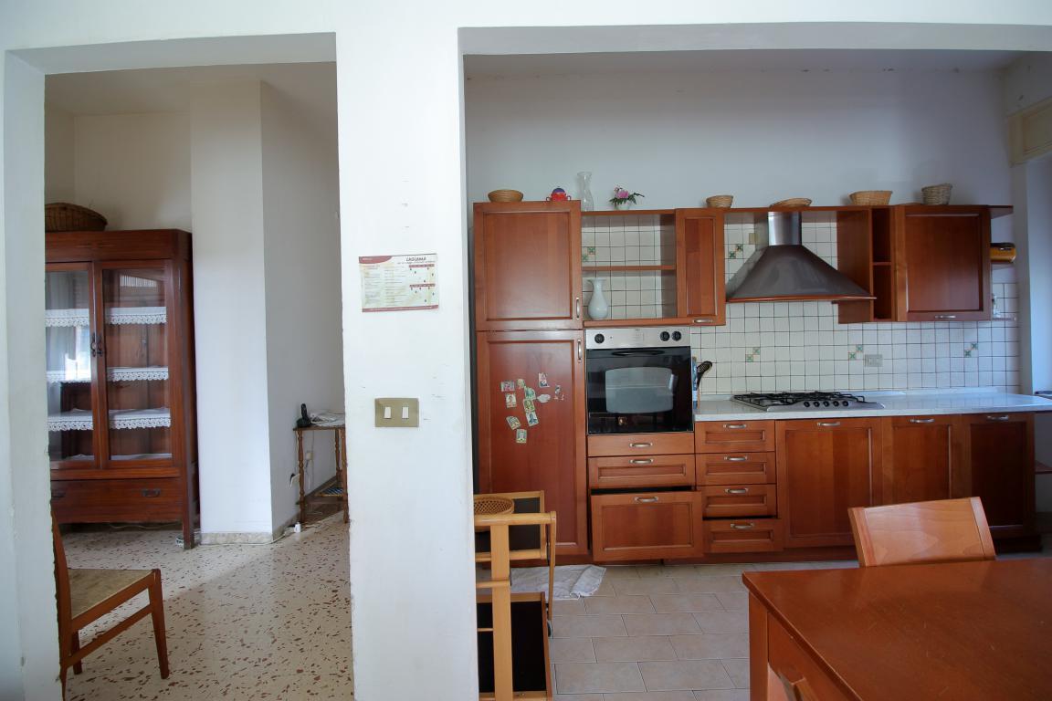 16 - Amelia - Villa - Via del Villaggio - Centrale - Cucina Dettaglio