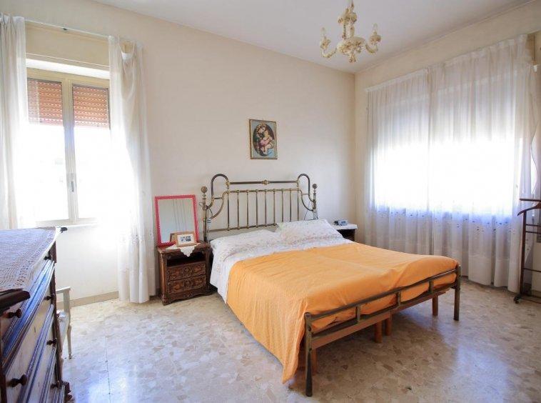 25 - Amelia - Villa - Via del Villaggio - Centrale - Camera