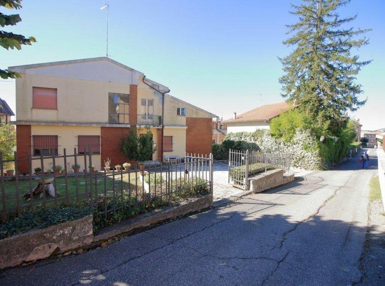 3 - Amelia - Villa - Via del Villaggio - Centrale - Esterno