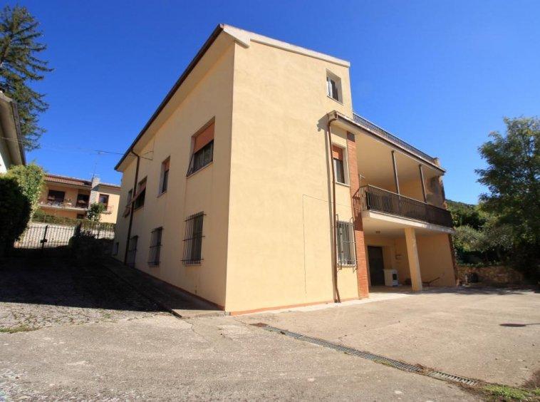 37 - Amelia - Villa - Via del Villaggio - Centrale - Esterno
