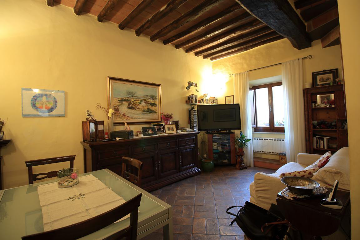 5 - Amelia - Via Civitavecchia - Salone
