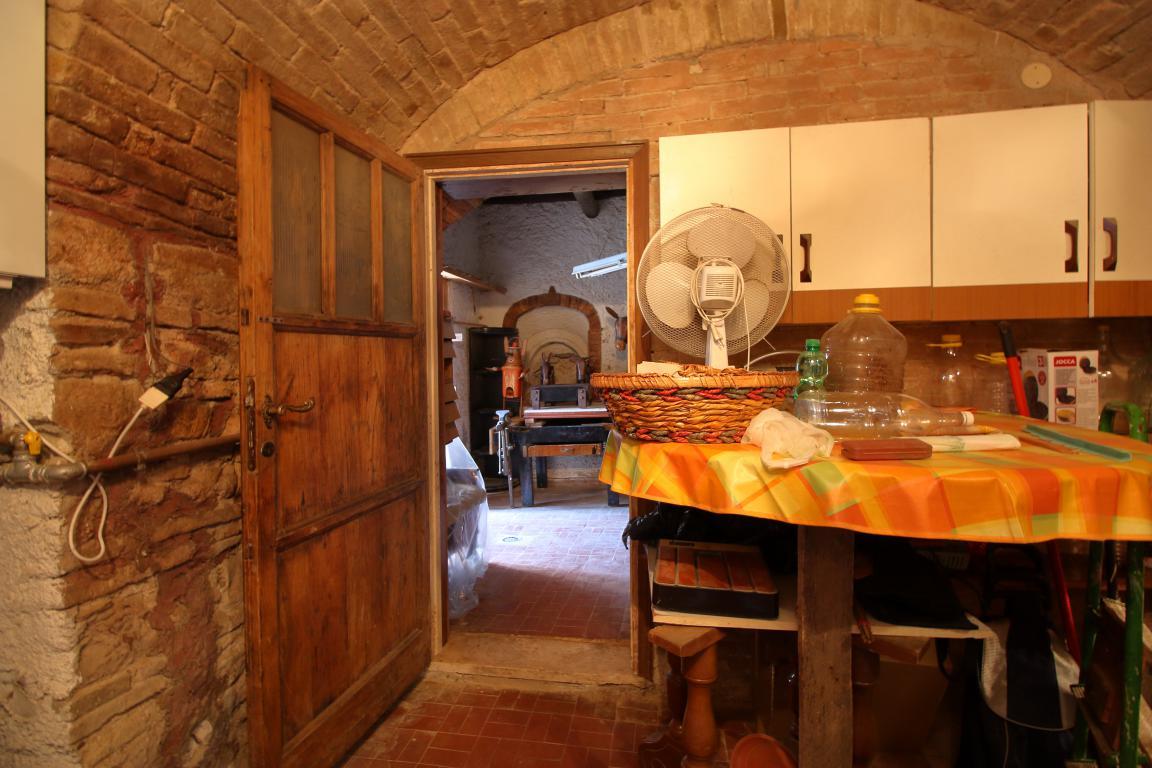 10 - Fornole - Appartamento - Taverna