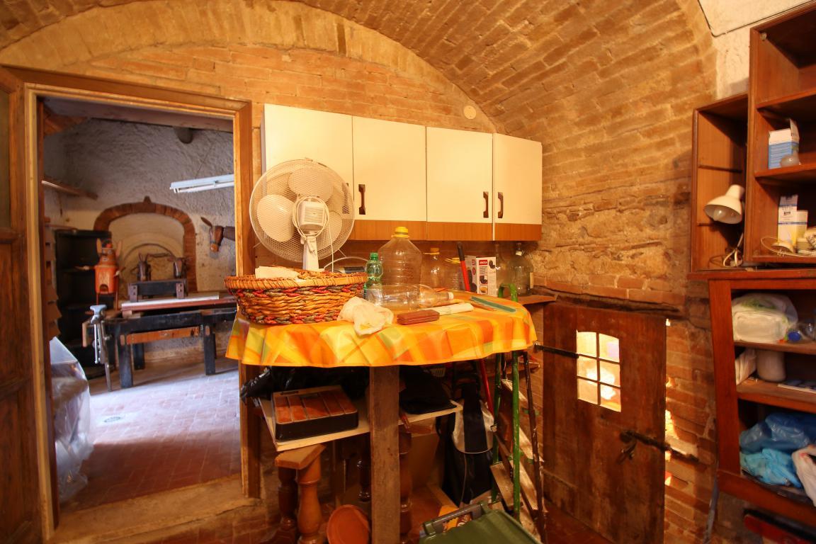 11 - Fornole - Appartamento - Taverna