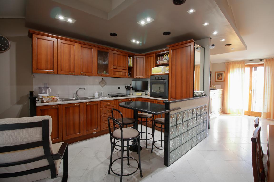 9 - Amelia - Appartamento - Via C.A. dalla Chiesa - Cucina