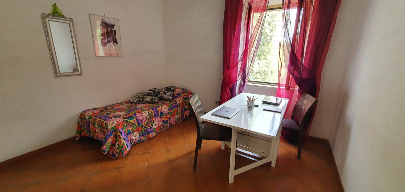 16 - Santa Restituta - Bifamiliare - Camera da letto - Studio