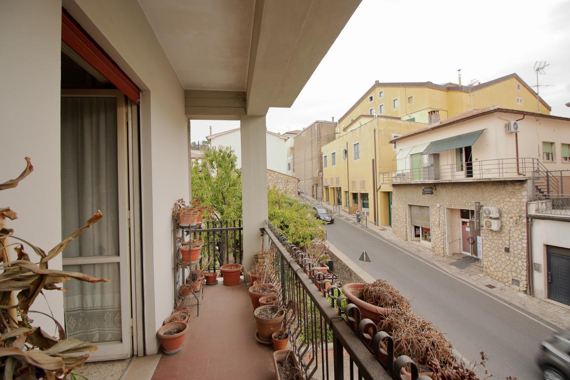 13 - Amelia - Via Primo Maggio - Balcone