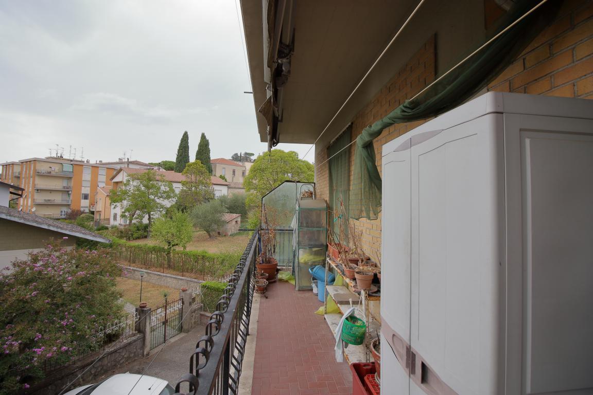 14 - Amelia - Via Primo Maggio - Balcone