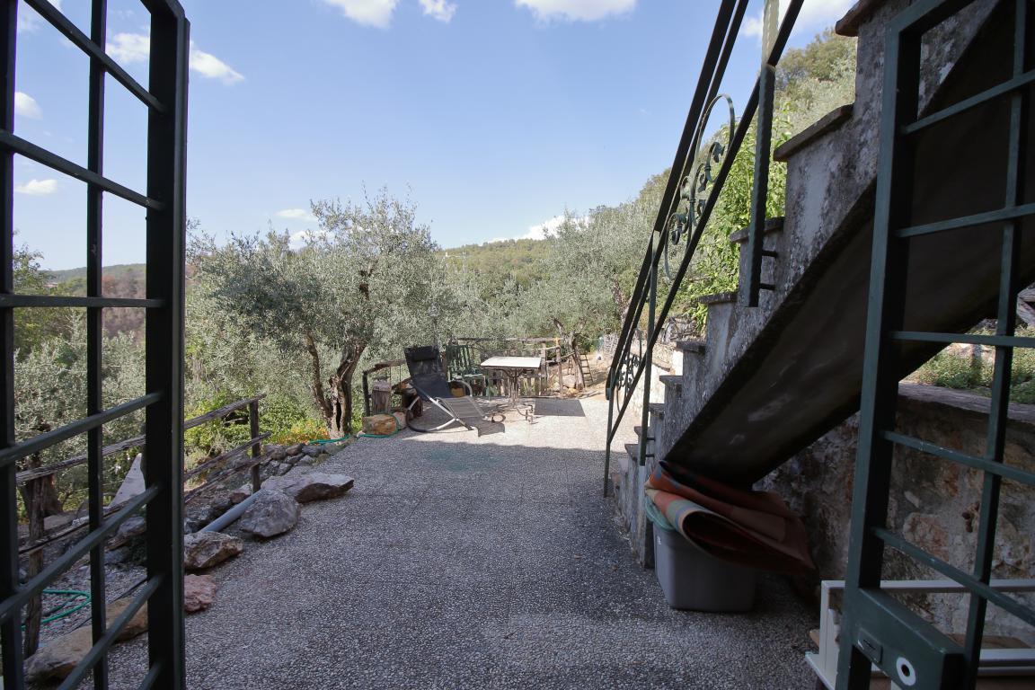 24 - Poggiolo - Calvi dell'Umbria - Accesso Piano Taverna